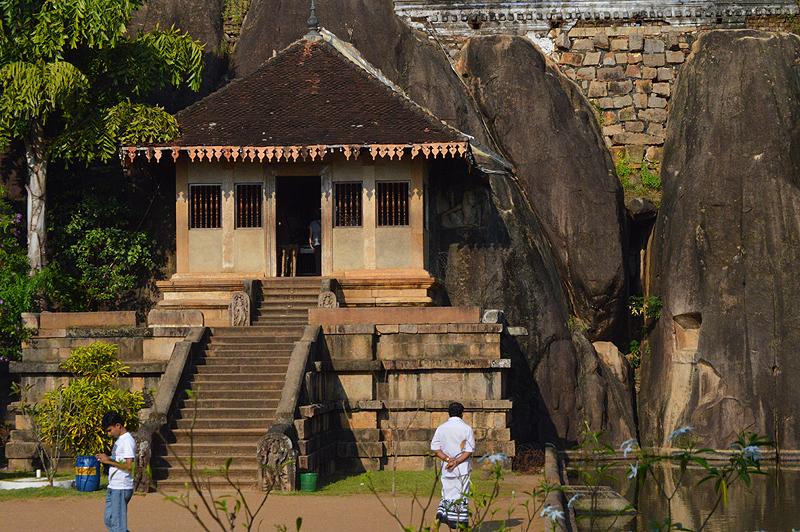 Loverstempeltje Isurumuniya in Anuradhapura.
