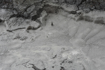 Borrelende modder die stinkt naar rotte eieren (zwaveldamp)
