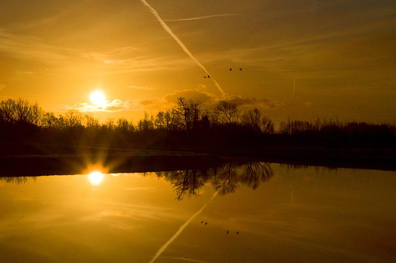 Spiegeltje tijdens zonsopgang