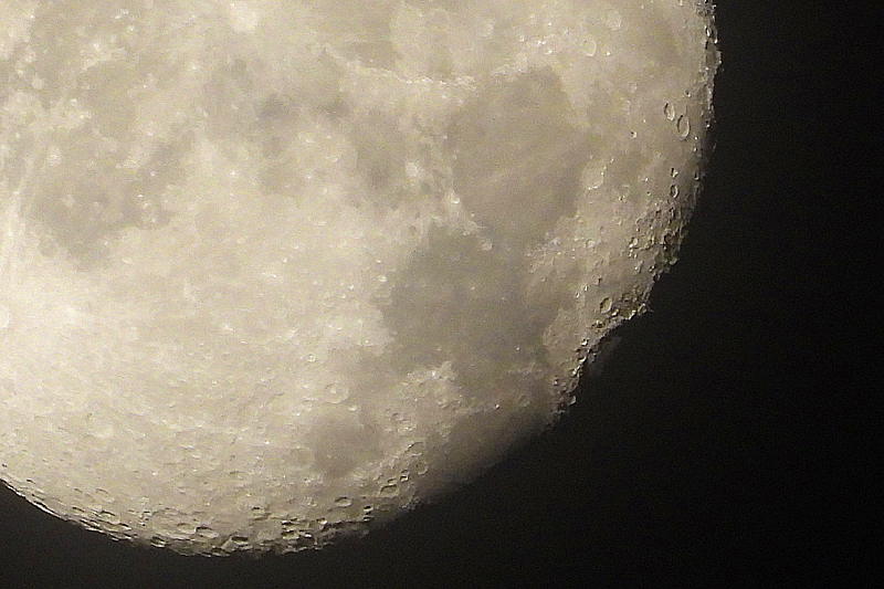 Maanlandschap, Nikon coolpix P1000 Plus zoom