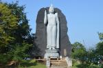 Deze 7 meter hoge staande Boeddha wordt gezien als mooiste