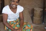 Kokossambal aan het maken